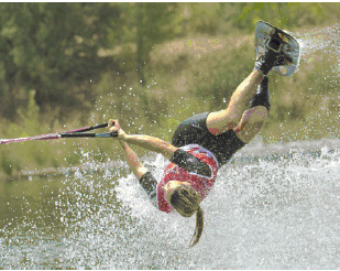 Laura-Phily vice championne de France 2016 de ski nautique