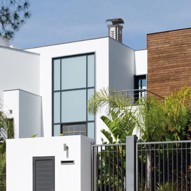 sortie de toit luminance pour maison contemporaine et architecturale chemin es poujoulat. Black Bedroom Furniture Sets. Home Design Ideas