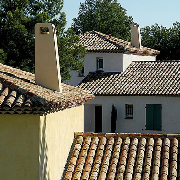 sortie de toit r gionale provence et languedoc pour maison individuelle chemin es poujoulat. Black Bedroom Furniture Sets. Home Design Ideas